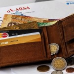 重い財布から抜け出して節約する方法。現金を持たずにカードで生活したいよね